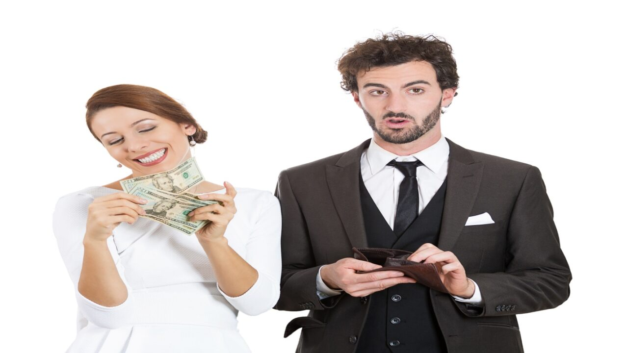 Wife receiving higher benefits than husband from divorce